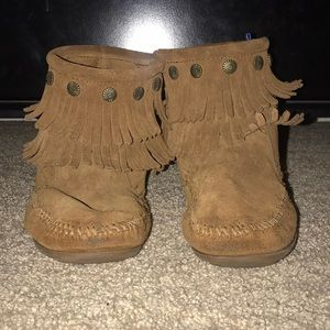 minnetonka tan fringe booties